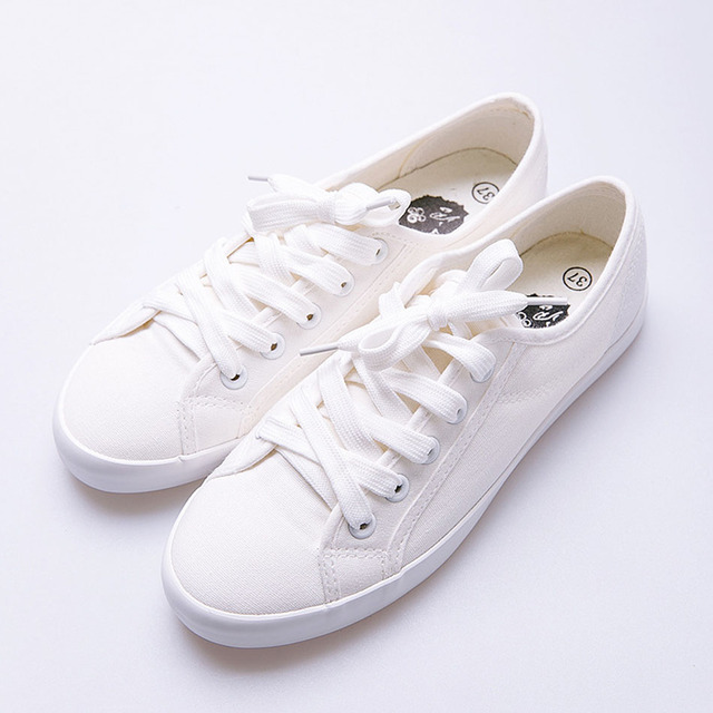 Classic Skateboarding Shoes Women Sneakers Skate Shoes Canvas Material Low Cut  Shoes Comfortable Soft Girls Sneaker 2a5cab8c0
