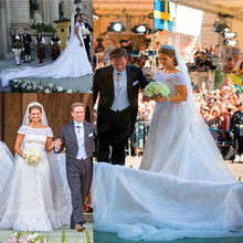 lakshmigown Wedding Dresses 2018 Short Sleeves Royal Train