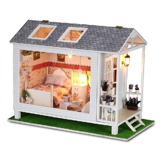 Free shipping DIY dollhouse model 3D wooden doll house handmade model the seaside vacation house with light and music