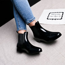 2019 New Woman Chelsea Rain Boots Unisex Women Shoes Ankle Pvc Adults Non-slip Waterproof Breathable Casual Rainy Days Necessary