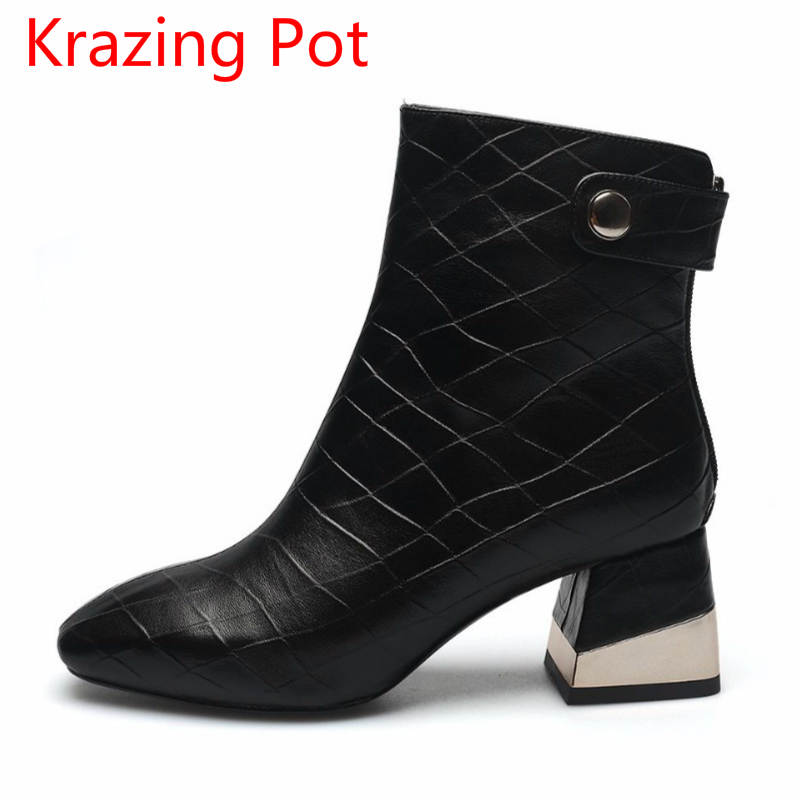 2018 New Arrival Rivets Genuine Leather Square Toe High Heels Large Size Handmade Office Lady Zipper Ankle Boots for Women L6f52018 New Arrival Rivets Genuine Leather Square Toe High Heels Large Size Handmade Office Lady Zipper Ankle Boots for Women L6f5