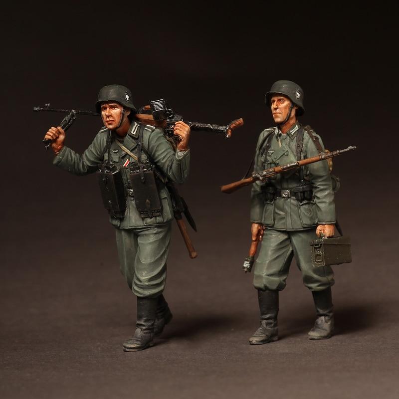 1/35 Resin Figures  Model Kits WW2 German Infantrymans On March Unassembled Unpainted