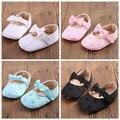 Nuevo estilo del corazón del algodón del bebé mocasines bebé niñas mary jane vestido de la princesa primeros caminante zapato con pajarita 4 colores 3 tamaños