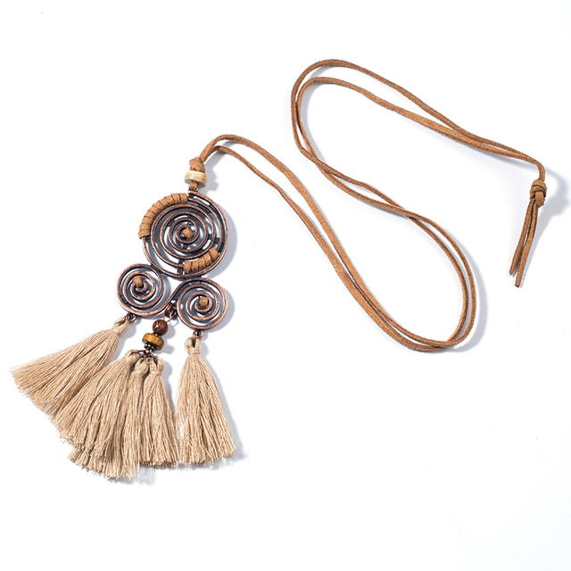 Collier long bohème chic beige