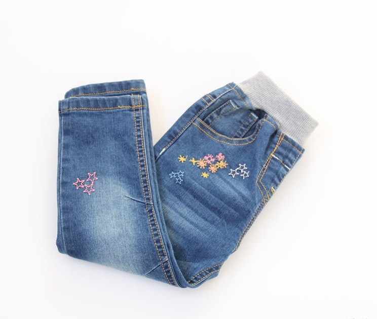 New Arrival Baby Girls Spring Denim Jeans Girls Flower-embroidery Jeans Child Cotton Casual Jeans Kids Spring Autumn Long Pants bazaleas flower embroidered mom jeans female blue casual pants capris spring pockets jeans bottom casual pant