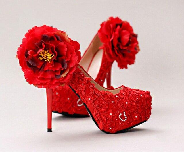 2016 nieuwe rode kant bruids schoenen waterdicht Taiwan wees prima met bloemen, trouwschoenen diamant hoge met singles schoenen
