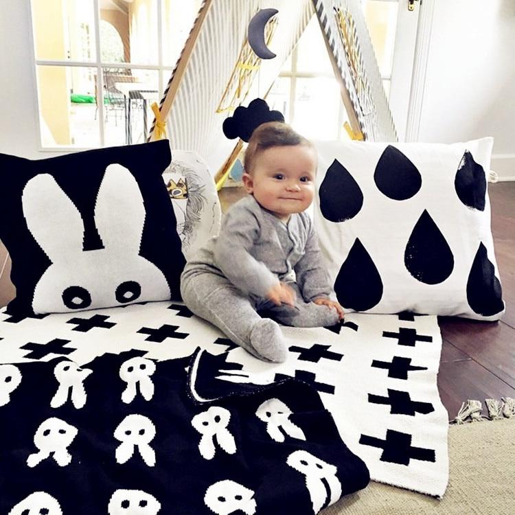 Baby Deken Zwart Wit Leuke Konijn Swan Cross Gebreide Plaid Voor Bed Sofa Cobertores Mantas BedGroep Badhanddoeken Speelmat Gift