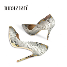 цены 2018 women pumps snake printed high heels 12CM pointed toe sexy ladies stiletto shoes woman Party Wedding shoes
