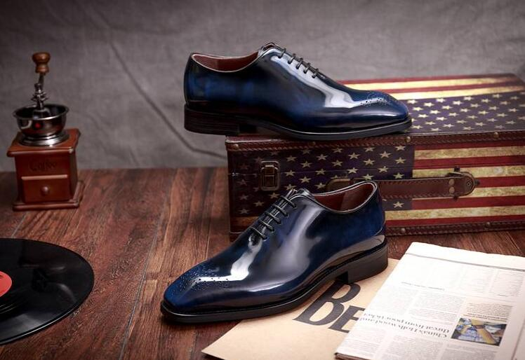 af4491d9e Brogue-Hombre-Zapatos-de-vestir-de-charol-genuino-pisos-tallados-Smart-Casual-zapatos-rojos-de-la.jpg
