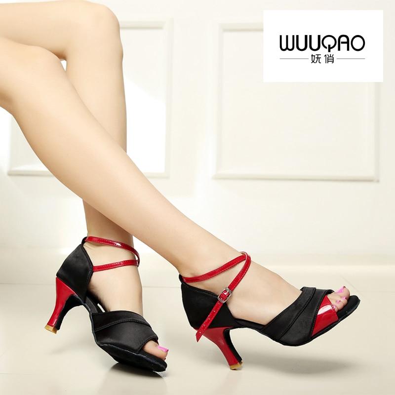 Nuevos zapatos de baile latino para mujer Salón Tango Samba Salsa Satén / cuero sintético Hebilla con purpurina Zapatos para mujer Tacón de 5 CM y 7 CM