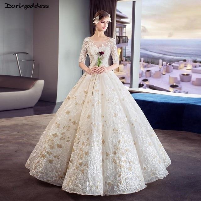 Luxury Wedding Gowns 2018 Floor Length Dubai Wedding Dresses Ball Gown Half Sleeve Wedding Dress Lace Embroidery Bridal Dress