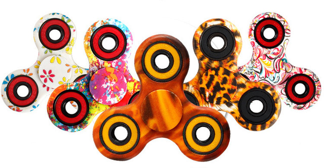 2017 New Painting Flowers Pattern EDC Tri Hand Spinner Fidget Plastic Toy Long Time Rotating Powerful Hand Finger Spinner Gift