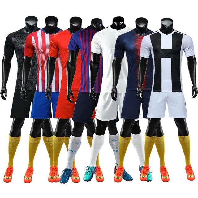 18 19 camiseta de fútbol en blanco y pantalones cortos para adultos y niños  jerseys 858f335273f80