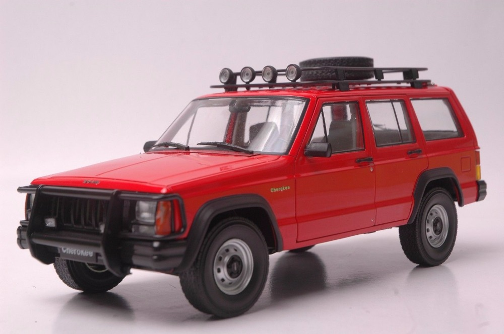 1:18 Diecast Model for Jeep Cherokee 2500 Red SUV Alloy Toy Car Miniature Collection Gifts 1 18 diecast model for jeep compass 2017 silver suv alloy toy car miniature collection gift