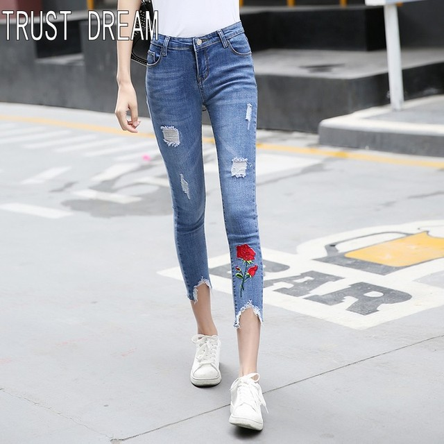 Femmes Broderie Rose Confiance Slim Rêve Rouge Jeans Européens Style wxZq4Tx