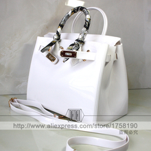 FREE SHIPPING 2016 new arrival high quality romantic fashion white shoulder bag with ribbon lock beach bag