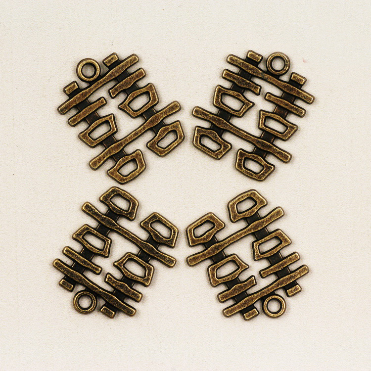 2Pcs Antiqued Silver Tone Flower Star Charms Pendants Connectors 29x38mm