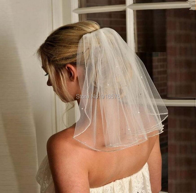 In Stock 2016 Simple Short Wedding Veil With Comb One Layer Crystal Bridal Headwear Ivory