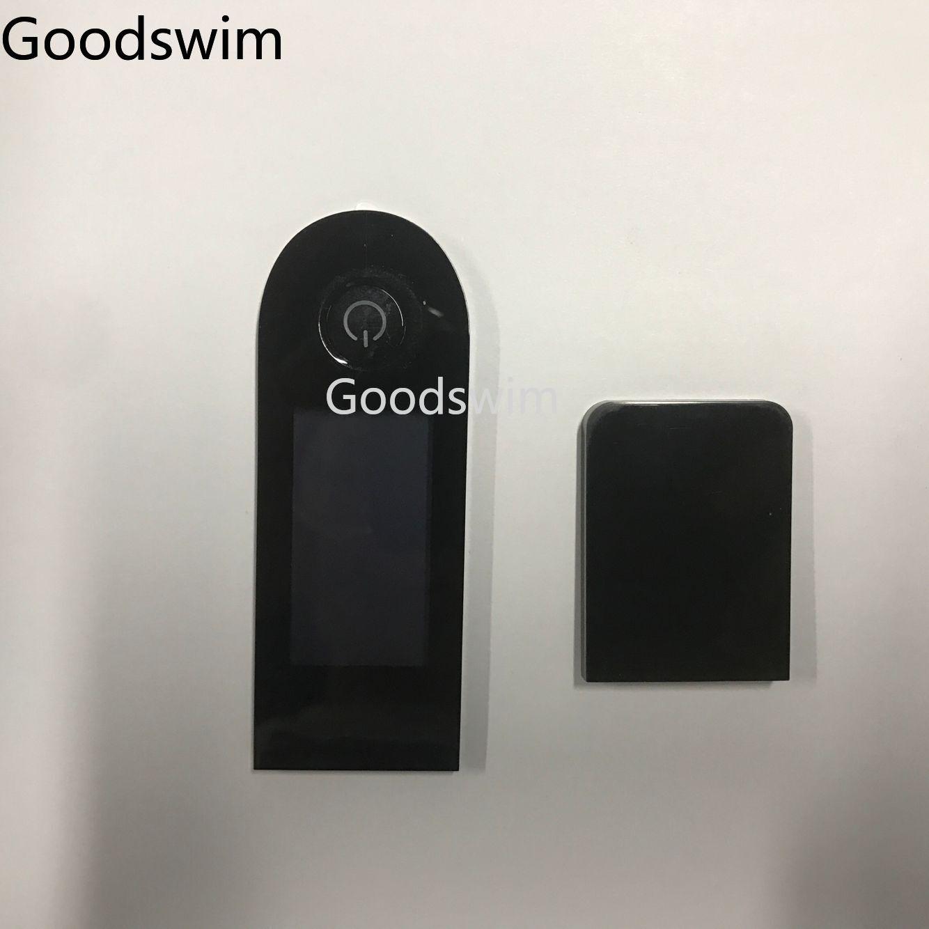 scooter com cobertura de tela placa de