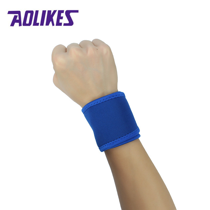AOLIKES 1PC Sport Wristband Adjustable Professional Training Wrist Brace Support Straps Wraps For Gym Fitness Weightlifting