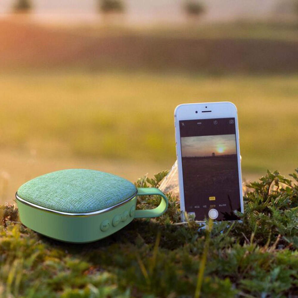 Mini Handheld Wireless Bluetooth HIFI Speaker Plating Skull Accessories TF card FM Radio Stereo Speaker With HD Sound MAY29