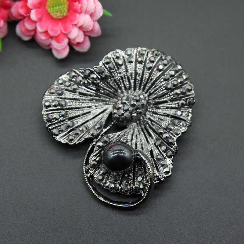 a19ed03c628 ... RHao Vintage black Crystal plant Flower brooches for Women Men Suit  Clothes Accessories Corsage black Rhinestone ...