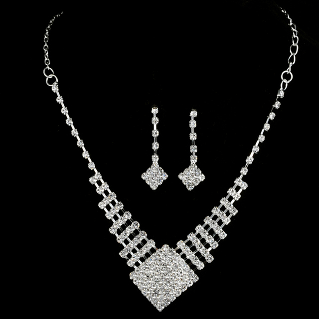 1 Set Crystal Drop Necklace...
