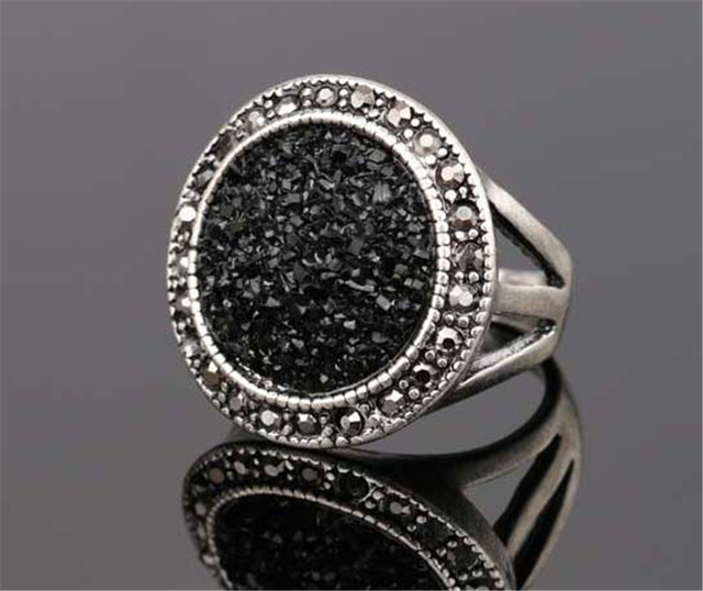 Black Broken Stone Accessories Rings For Women Bohemia Antique Silver Plated Jewelry Live To Ride Engagement Ring
