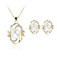 Fashion Simulated Pearl Jewelry Set Gold Earrings Necklace Set Crystal Wedding Accessories flower