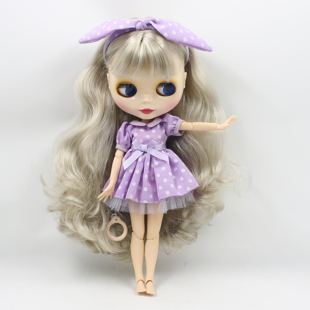 Neo Blythe Doll with Grey Hair, White Skin, Shiny Face & Jointed Body 5
