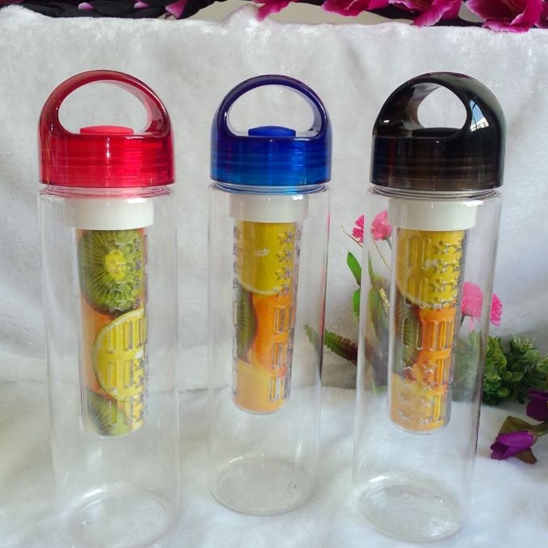 700ML BPA Plastic Fruit Infuser Water Bottle With Filter
