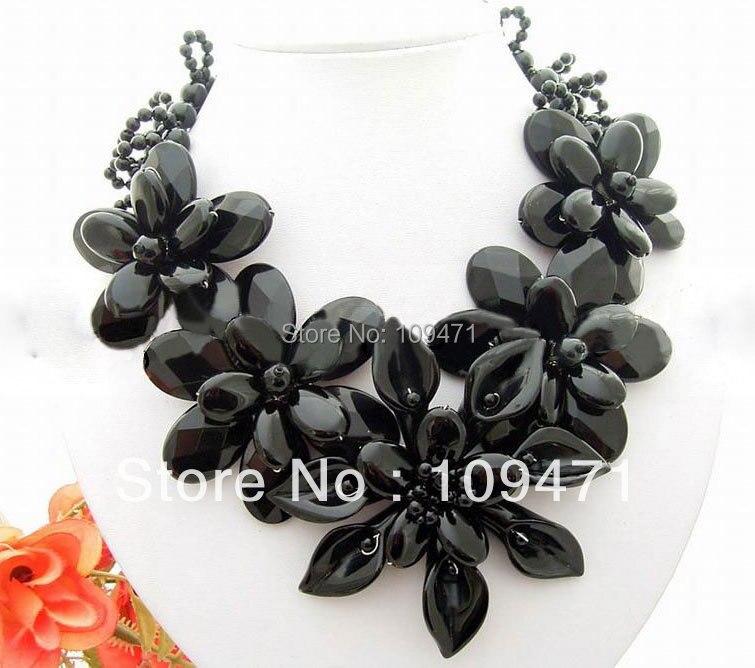 Excellent! Natural Black Onyx Flower NecklaceExcellent! Natural Black Onyx Flower Necklace