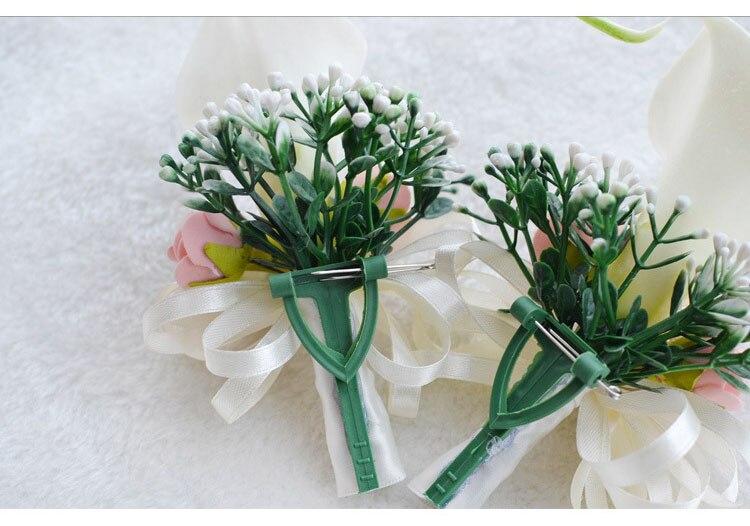 white wedding wrist corsage boutonnieres roses  (2)