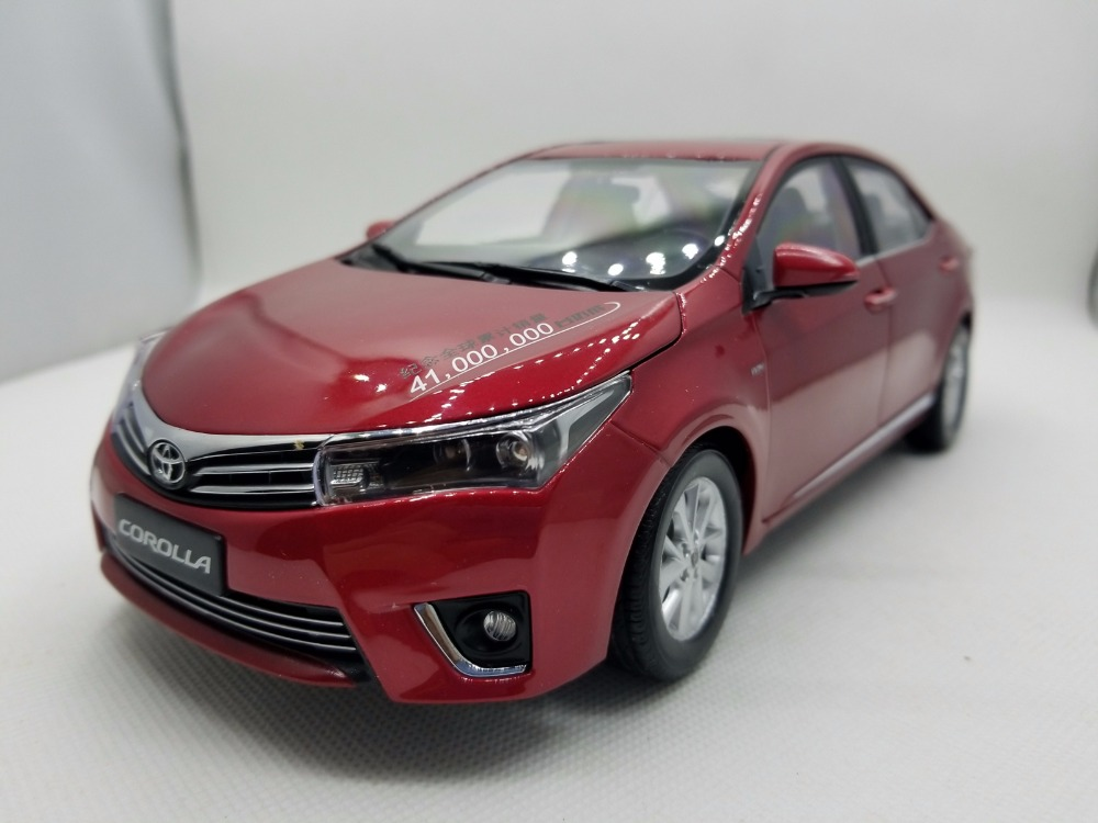 1:18 Diecast Model for Toyota Corolla 2014 Red Rare Alloy Toy Car Miniature Collection Gifts