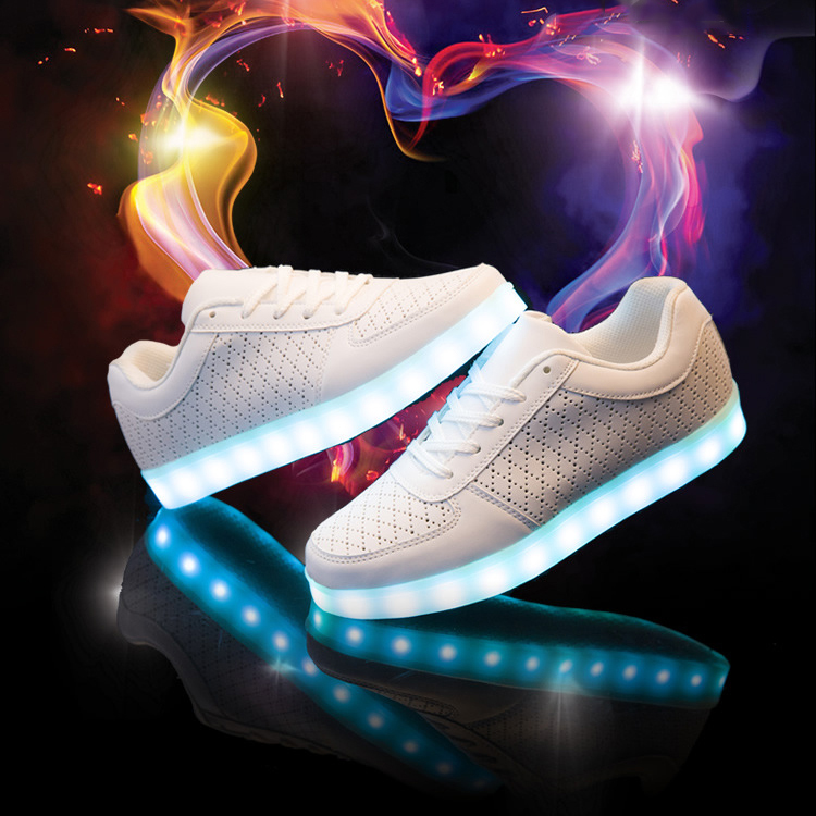 Men's Casual Shoes Boy Girls Shoes2019 Light Shoes Led Luminous Shoes Usb Charging Colorful Light Board Shoes Modern Design Shoes