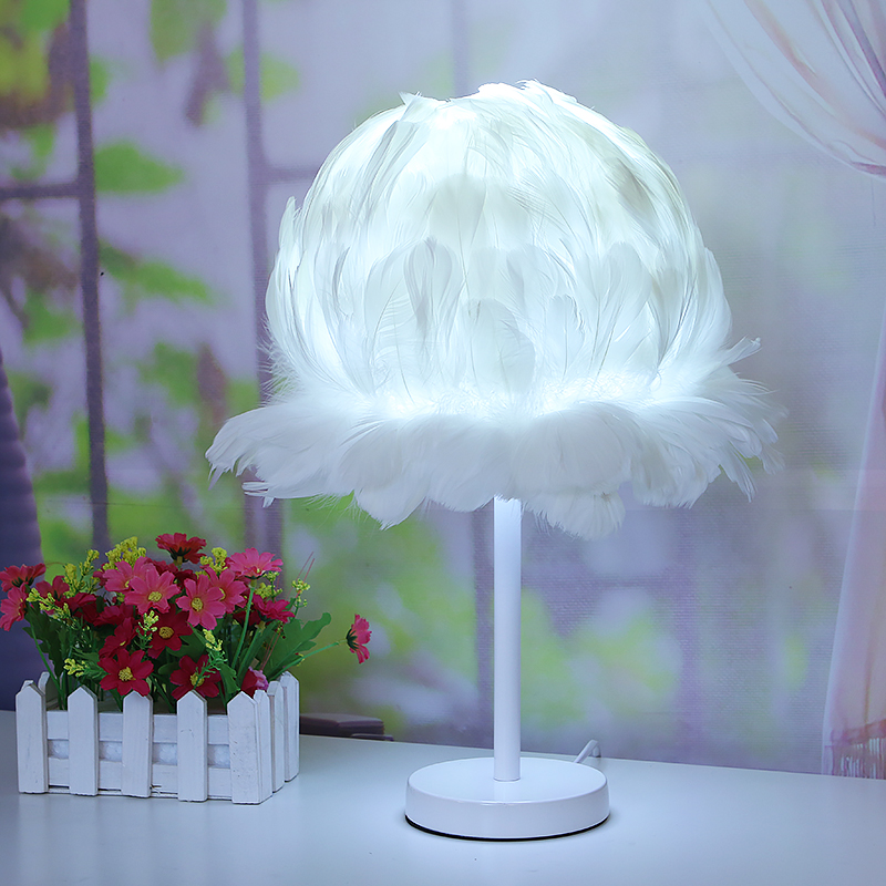 Wedding feather table lamp living room anchor bird nest bedroom bedside flower table lamp feather lamp flower lace lamp ZA421719 цена 2017