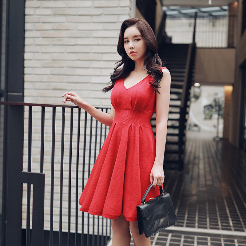 Dabuwawa Red New Sexy V Neck Party Midi Dresses Girls Women Ladies Ruffles Sleeveless Swing Hem Knitted Dresses D18CDR047 in Dresses from Women 39 s Clothing