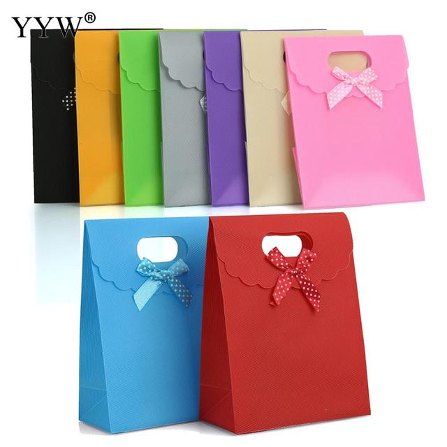 12pcs Bag Red Green Bow Tie Birthday Wedding Gift 123x160x3mm Kraft Paper With Handle