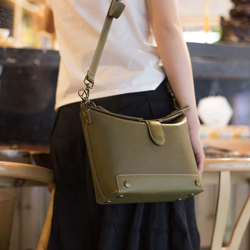 Vintage handmade casual handmade suede leather art handbags handbags Messenger bag