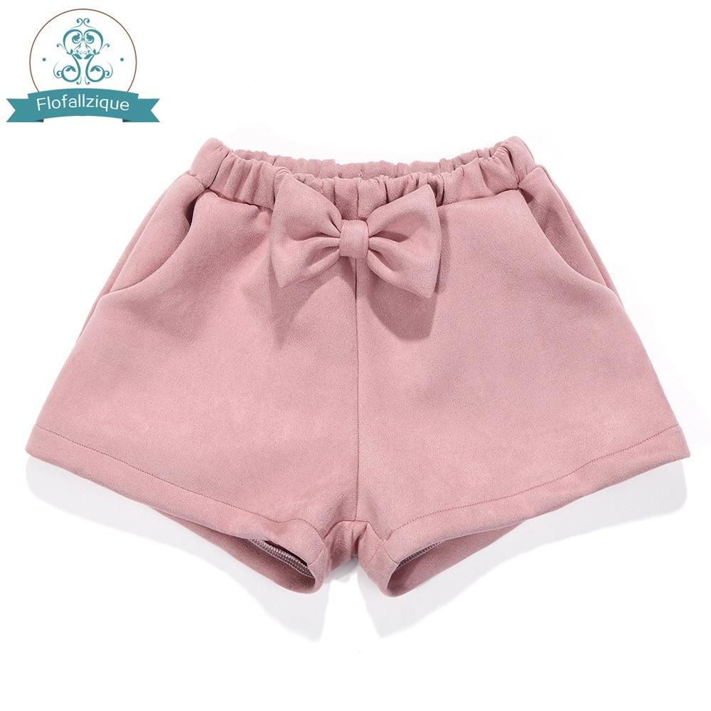 купить Toddler Girls Shorts 2017Autumn winter Elastic Waist Loose Suede Short Pants Fashion bowknot Pink Baby Girl Shorts kids Clothing по цене 659.09 рублей