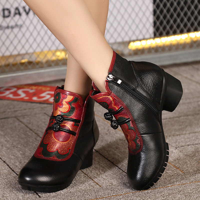 ФОТО Chinese trend thick with female boots cowhide winter boots mom shoes short lady boots fashion ankle boots velvet inside