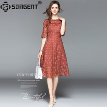 Simgent 2018 New Summer Women Fashion Three Quarter Flare Sleeves One Neck Hollow Out A Line Lace Dress Robe Dentelle SG84261