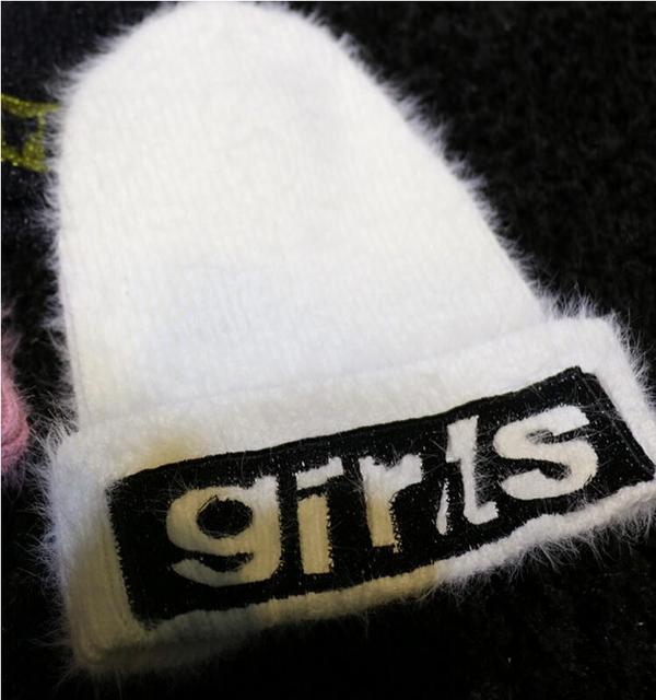 Outono e inverno novo gorro de lã bordados letras fofo malha stretch selvagem cabeça cap tampão do inverno das mulheres