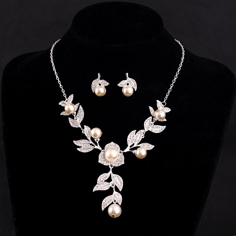 2016 New Women Fashion Rose flower pearls rhinestone Bridal Necklace Earrings Set Wedding Jewelry Sets Wedding dress accessories