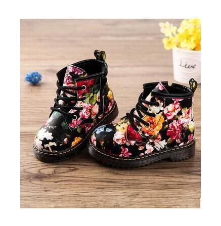 Botas lindas chicas 2017 nueva moda lrregular flor floral print kids shoes bebé martin botas niños botas de cuero ocasionales