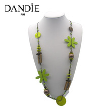 Dandie Handmade Wooden Flower Necklace With Green Shell Decoration, Fashion For Women