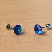 купить Z806 316 L Stainless Steel 8mm New Royal Blue Round Zircons Stud Earrings Vacuum Plating No Easy Fade Allergy Free Classic Style по цене 95.03 рублей