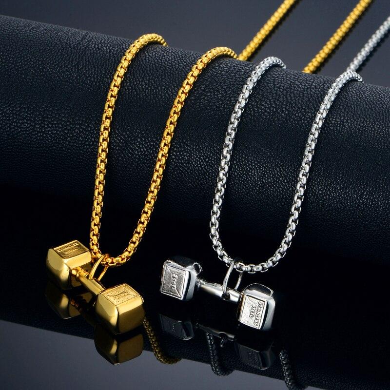 En Acier inoxydable Collier Pour Hommes En Gros Argent Couleur collier  fantaisie Haltère Pendentif Collier Timbre 316L Entraînement Bijoux 01aab326e624