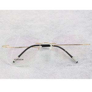 Image 4 - BCLEAR טיטניום ללא שפה אופנה מעצב משקפיים אופטי משקפיים מסגרת גברים ונשים Eyewear קל משקל גמיש מחזה