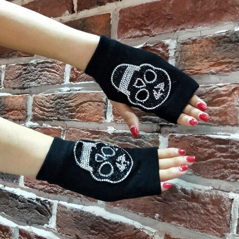 Guantes de invierno de diamantes de imitación de cráneo DE CORONA DE medio dedo guantes mujeres calientes de punto barato mitones estudiantes tipo Gant femme 2